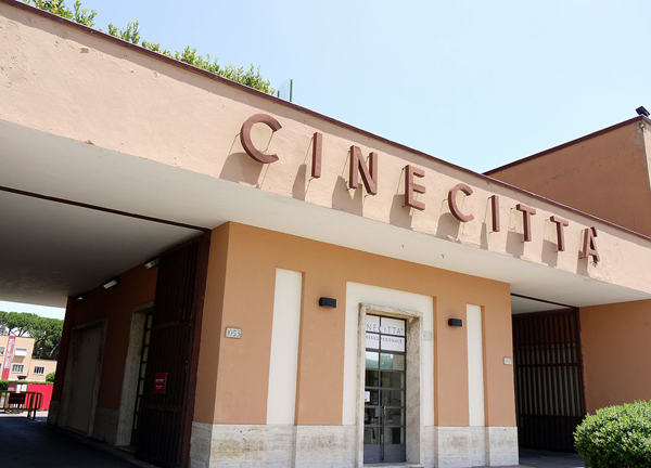 Cinecittà_-_Entrance
